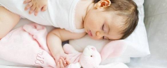 Dormir un recién nacido