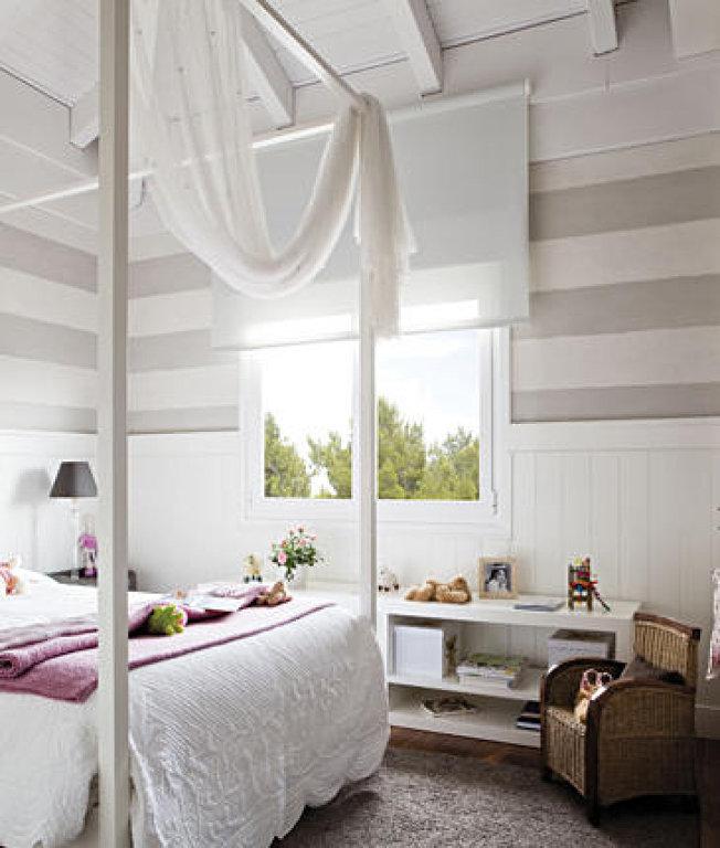 cama con dosel para mejorar el feng shui