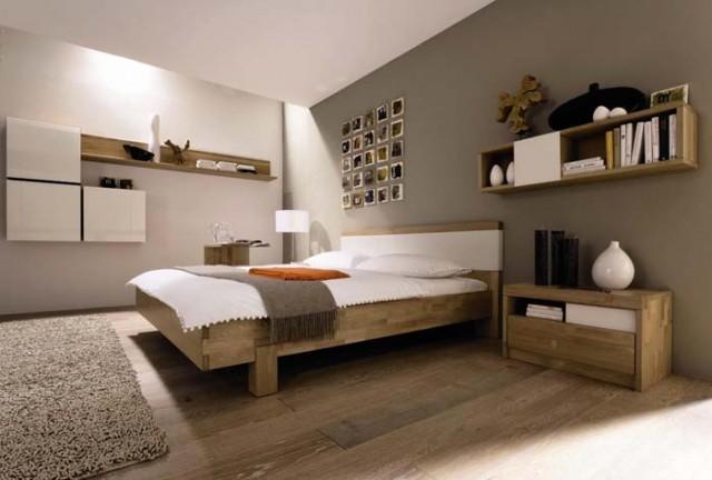 Dormitorio con maderas y neutros como protagonistas - Decóralos