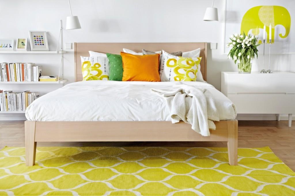 Dormitorio primaveral luminoso y cálido