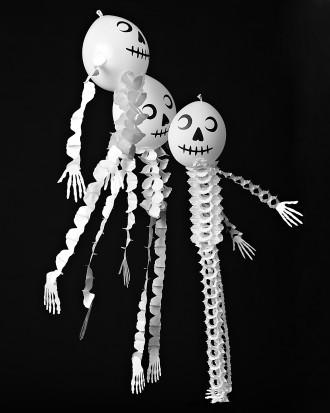 Esqueletos con globos