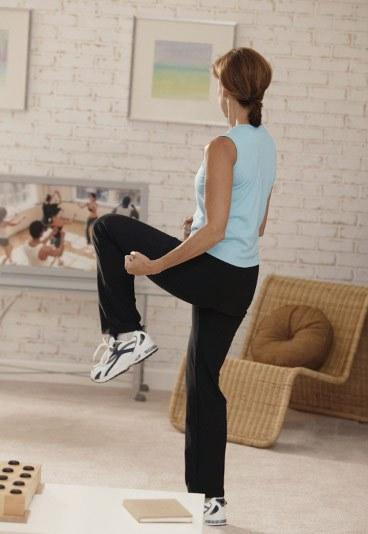 Aerobic, baile, pilates, yoga, en casa. Fuente: imworld.aufeminin.com