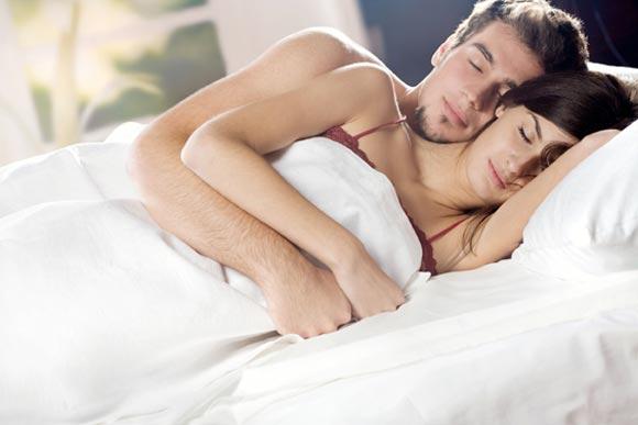 Dormir en pareja. Fuente: http://www.paradisi.de/