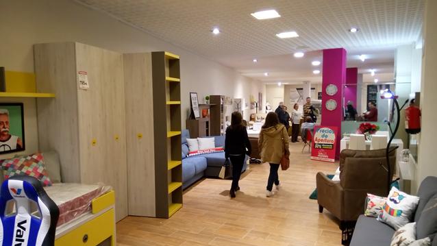 un gran exposición muebles City A Coruña