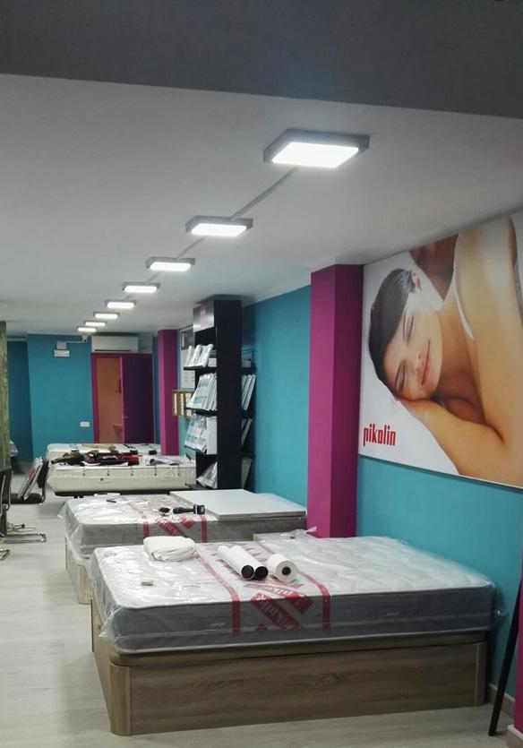 Colchones.es en Barcelona, nueva tienda de Muebles Los Pinos