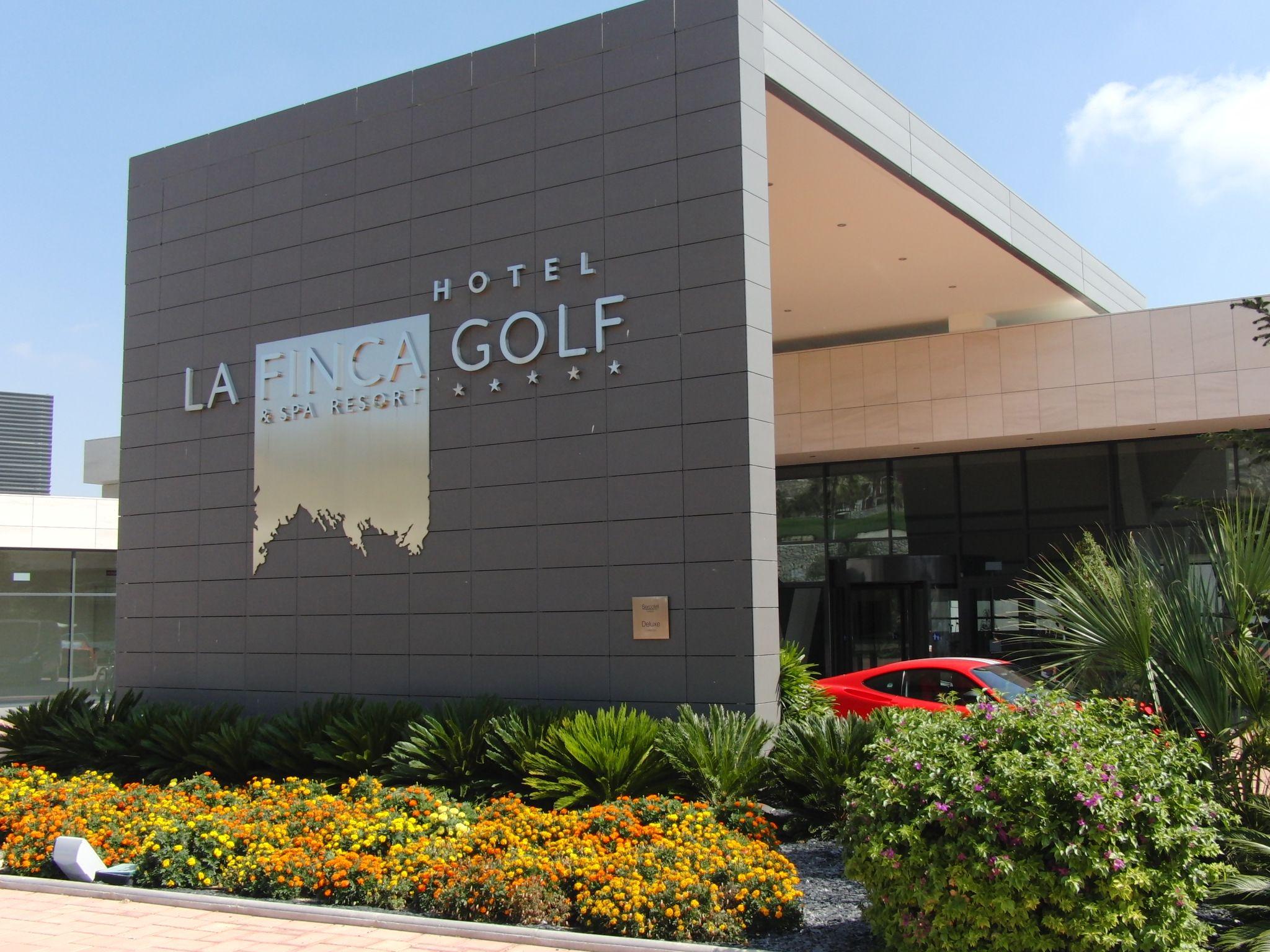 la finca golf resort recepción