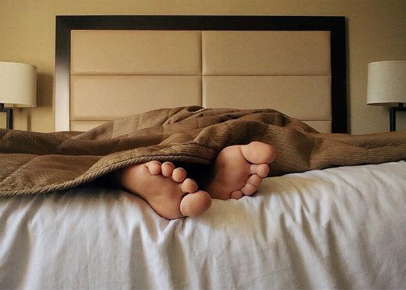 dormir pies fuera