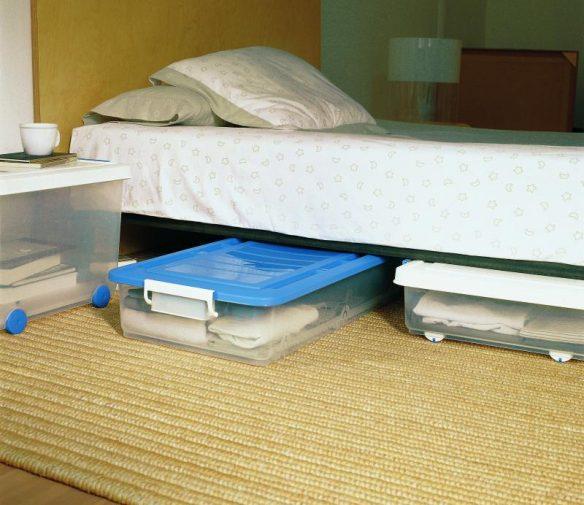 Limpiar debajo de la cama.