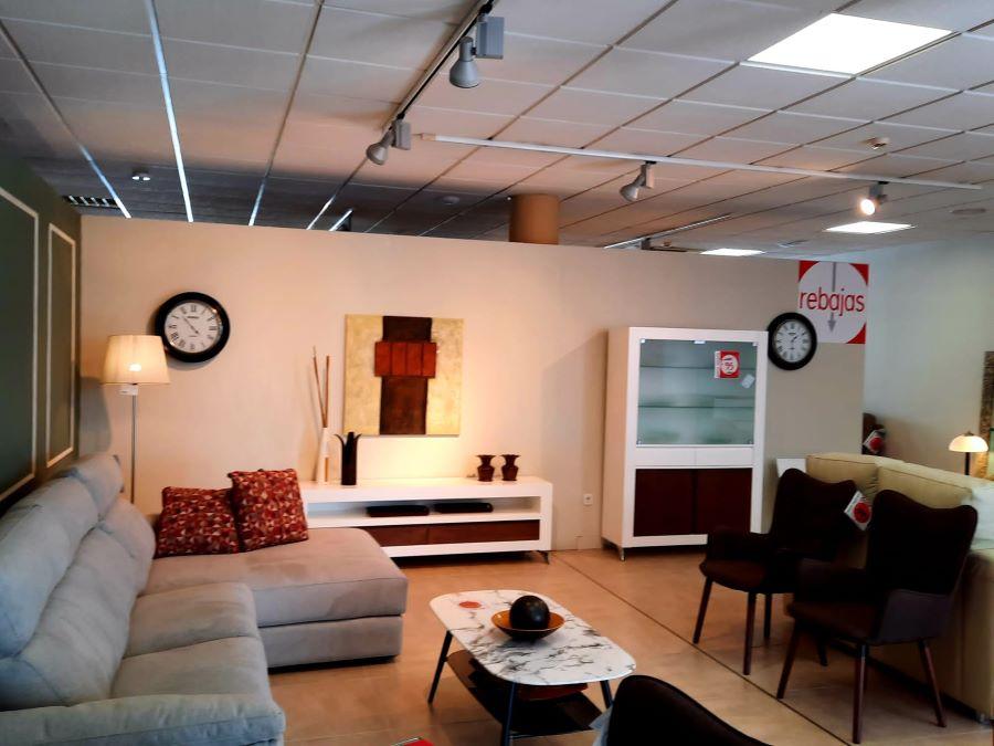 Muebles de todos los estilos en Muebles La Factoría San Juan